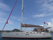 Bénéteau Oceanis 523 : At anchor in Martinique